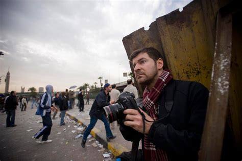 photographer biography film review quot hondros quot finds the best of humanity in the midst