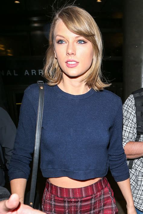 taylor swift taylor swift at lax airport 12 13 2015
