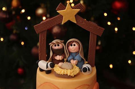 Yellow Kitchen Aid - nativity cake goodtoknow