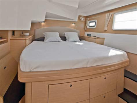 big island catamaran cruises kona luxury sailing catamaran dolphin watch snorkel