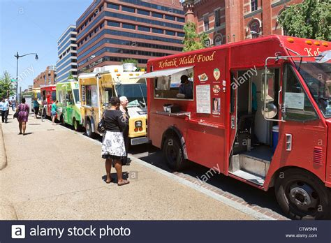 truck in dc food trucks line up on an washington dc