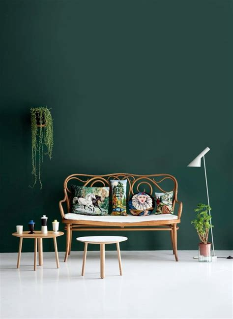 green wall color   reached   trendy decor