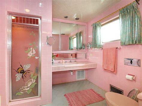 Retro Pink Bathroom Ideas by Best 25 Pink Bathroom Vintage Ideas On Pink