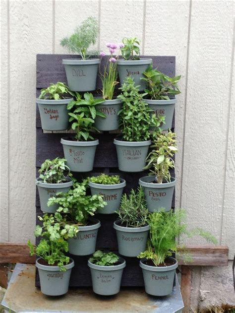 herb garden ideas pinterest pallet herb garden gardens and gardening ideas
