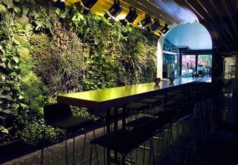vertical garden in restaurant bars h 244 tels restos