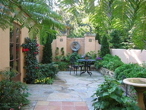 Small Patio Garden Design Ideas Diy Small Patio Makeovers Patio With A Lush Border Ideas Stunning Backyard Ideas Stunning