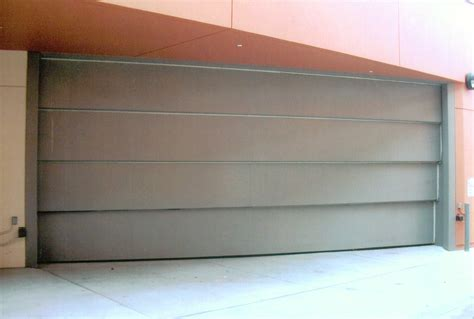 Horizontal Folding Garage Doors Horizontal Bifold Garage Doors Decor23