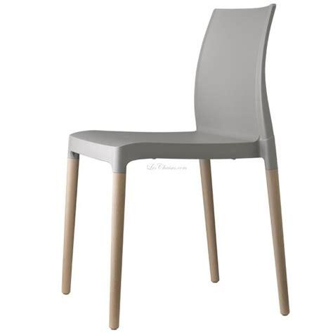 chaises plastique chaise plastique et bois et chaise design plastique