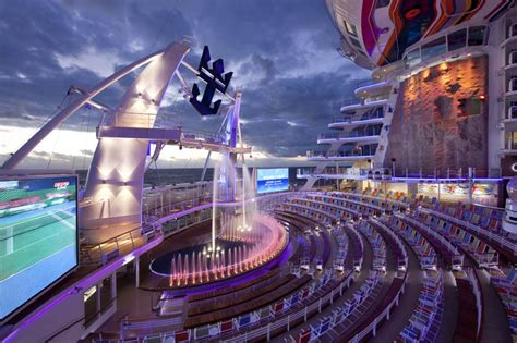 biggest cruise ship the world s largest cruise ship allure of the seas