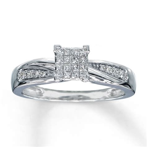engagement ring 1 5 ct tw diamonds 10k white