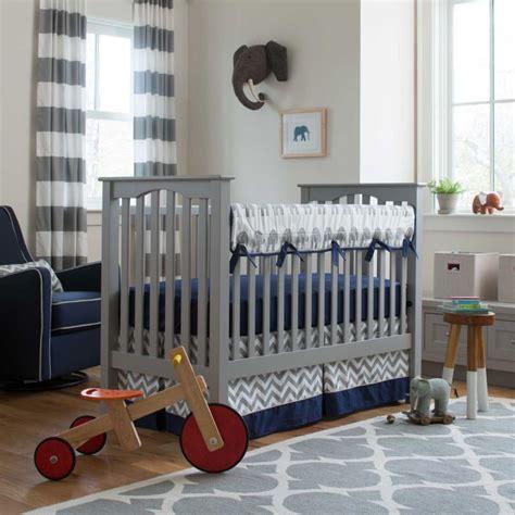 chambre bebe garcon bleu gris chambre bleu et gris id 233 es d 233 co en tons neutres et froids