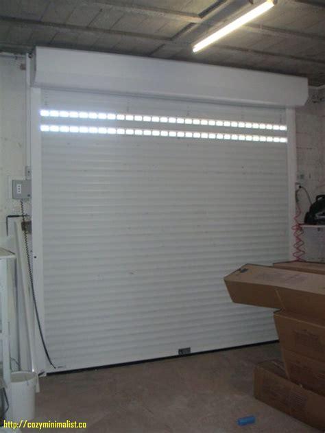 porte de garage enroulable chez castorama maison travaux