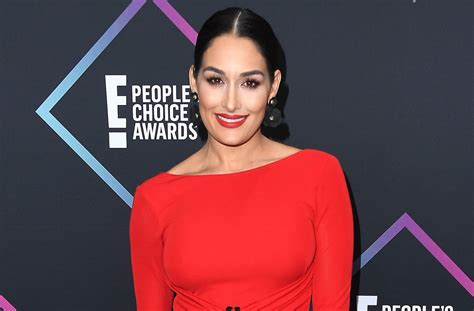 nikki bella kiss peter bachelorette alum peter kraus goes in for a kiss with