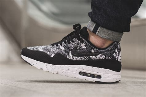 Nike Airmax One Ultra Moire nike air max 1 ultra moire black white floral sneaker