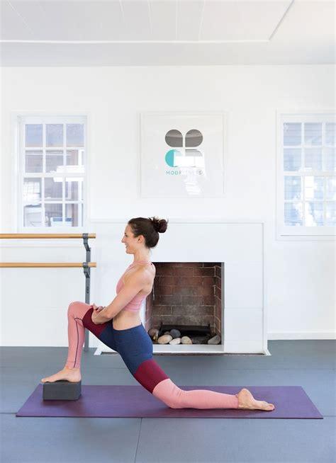 yoga block tutorial 25 best ideas about yoga block on pinterest foto yoga