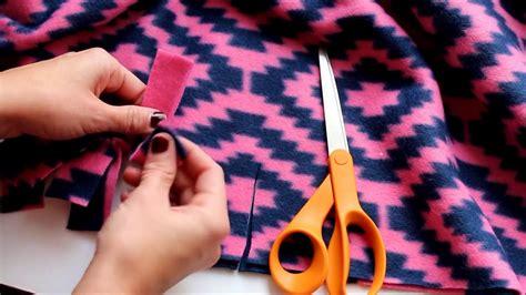 Make Fleece Tie Blanket by 4 Different Ways To Tie A Fleece Blanket