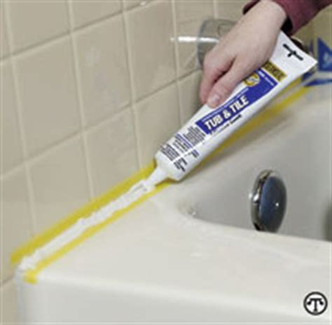 Best Caulk For Bathtub by Re Caulking The Bathtub Doityourself
