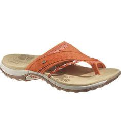 comfortable shoes for women over 50 1000 images about shoes comfort sandals on pinterest