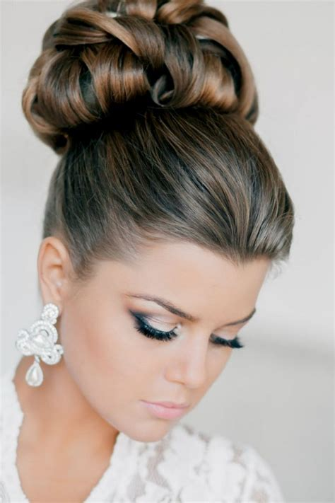 cool updos hairstyle for medium wedding hairstyle for medium hair