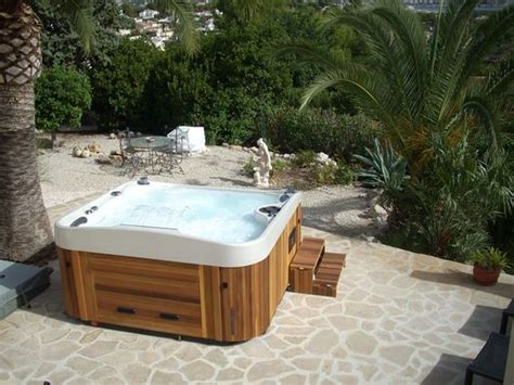 infinity edge tub coast spas the worlds best built