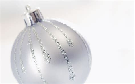 white christmas tree ball ornaments images