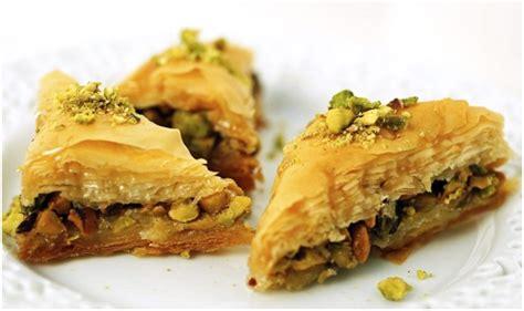 Arabic Sweet Baklava Roll Mixnut yezidis yezidi food recipes
