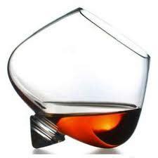 bicchieri storti cognac il bicchiere cognac cotognata