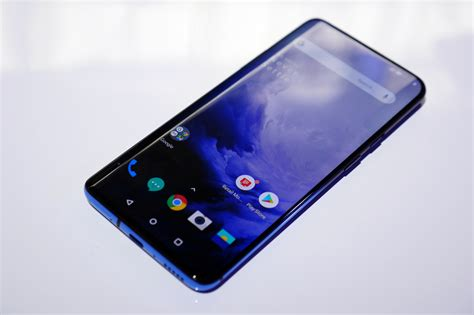 5 reasons to buy the oneplus 7 pro instead of the galaxy s10