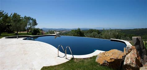 piscina in piscine con telo nero piscine castiglione