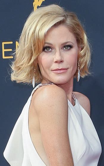 Julie Bowen Hairstyle by Hairstyles Julie Bowen S Medium Layered Hairstyle