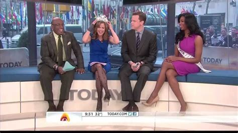natalie morales upskirt world news natalie morales great stockings 1 11 13 youtube
