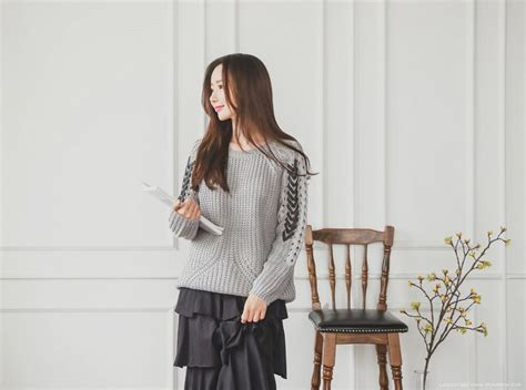 Sweater Di Korea Trend Fashion Korea Yang Booming Tahun 2018 Unik