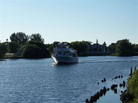 lake michigan boat tours glass bottom boat tour on lake huron michigan my