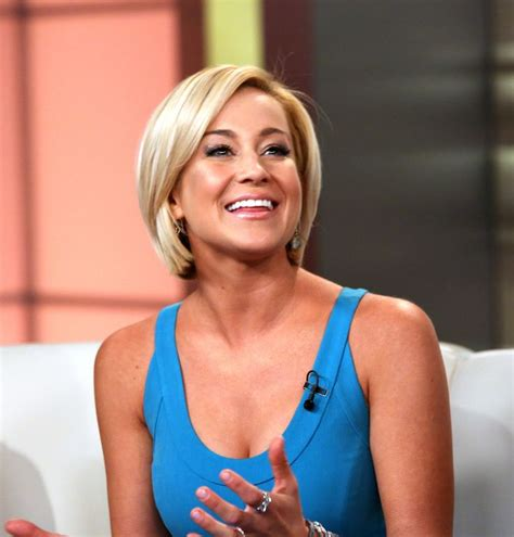 kellie pickler hairstyle photos kellie pickler photos photos kellie pickler visits fox