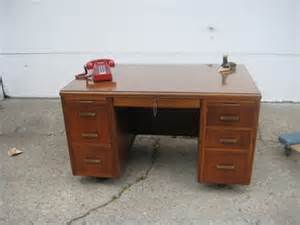 desk for sale 115 obo leopold desk for sale in evanston illinois