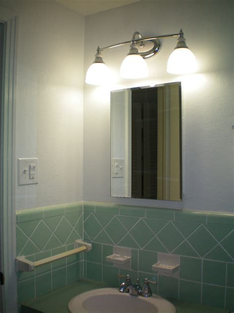 Get Unique Vintage Look By Installing Vintage Bathroom Vintage Bathroom Wall Lights