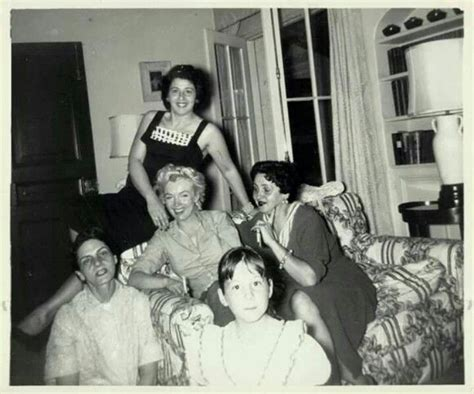 marilyn monroe parents marilyn monroe with the dimaggio family marilyn monroe