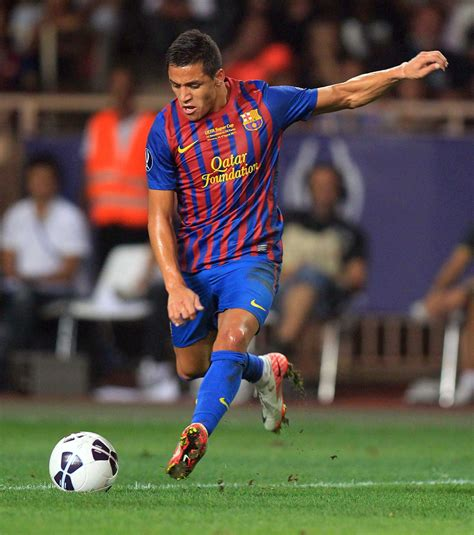 alexis sanchez son photo barcelone a 233 galement recrut 233 le chilien alexis