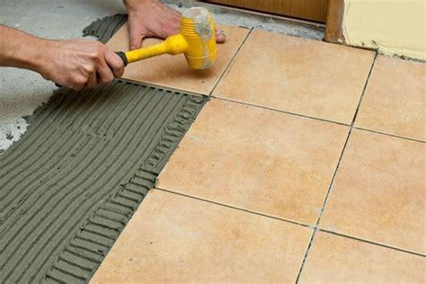 come posare le piastrelle come posare le piastrelle nel pavimento piastrelle