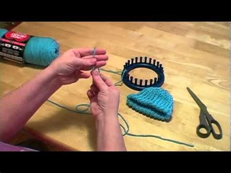 how to finish knitting a hat knitting a loom hat with pom pom part ii