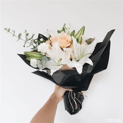 flower ideas best 25 graduation bouquet ideas on