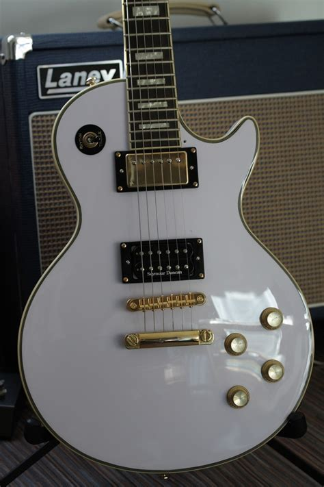 my new epiphone les paul custom alpine white mylespaul epiphone les paul custom alpine white image 78713
