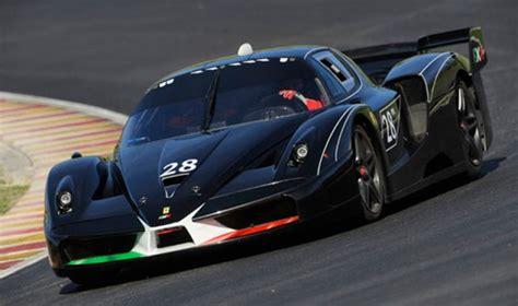 Fxx Vs Bugatti Veyron Fxx Evoluzione Bugatti Veyron And Peugeot Le Mans