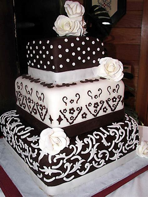 flowering wedding cake goes wedding 187 chocolate flowering wedding cake decoration