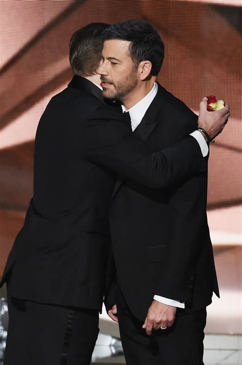 jimmy kimmel hair loss matt damon hugs jimmy kimmel emmys 2016 the hollywood gossip