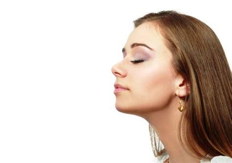 alimentazione in caso di vomito vomito cause frequenti e rimedi naturali sanioggi it