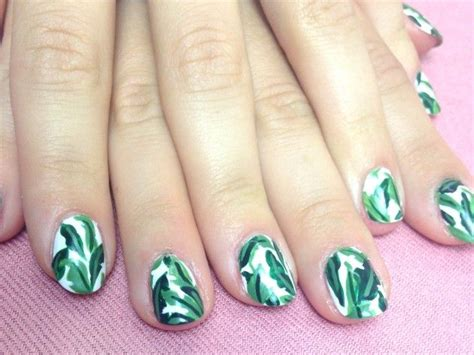 leaf pattern nails new year s eve hair with diy chains clips leaves