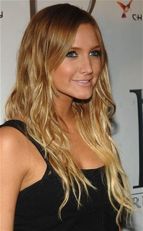 darker hair on top lighter on bottom is called bicolore effet racine pointes blondes tendance photos
