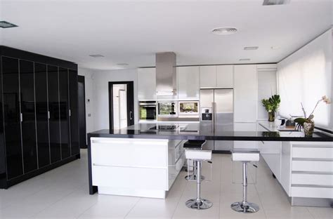 black and white home design inspiration architecture house modern white kitchen black decor