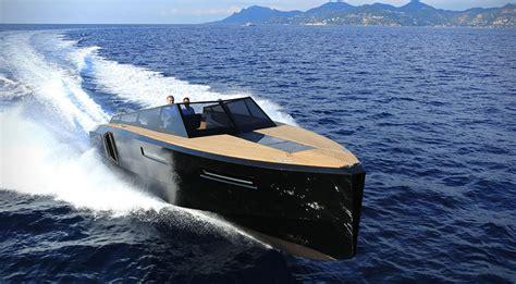 evo 43 speedboat by evo yachts hiconsumption - Black Speed Boat
